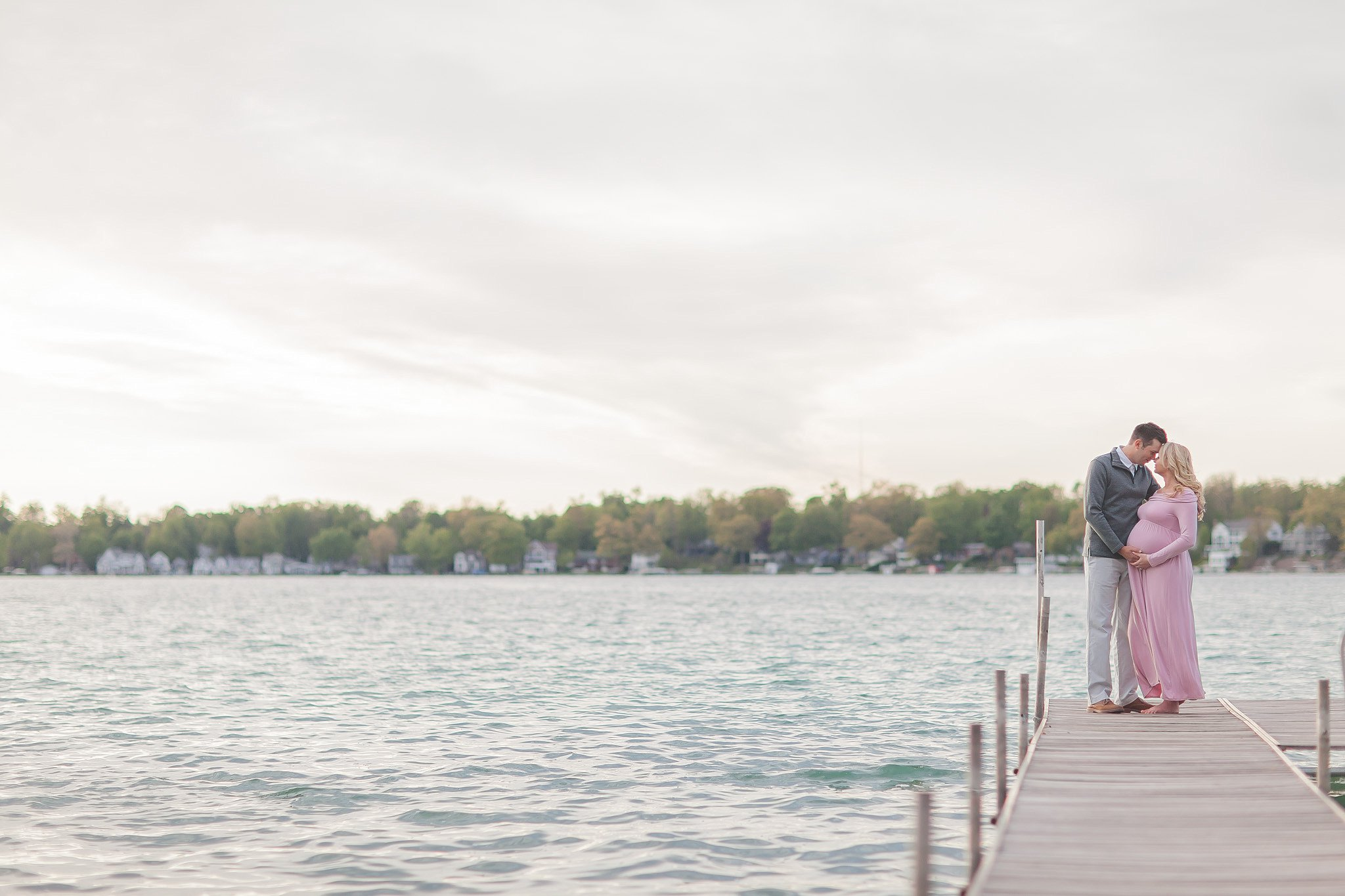 Brandon + Jenny | Diamond Lake | Cassopolis Michigan Maternity Photographer